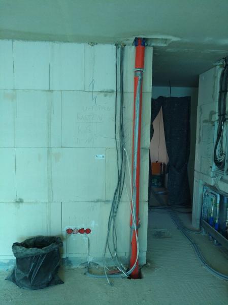 Leitungen für Schacht im Wohnzimmer und Leitungsverlauf